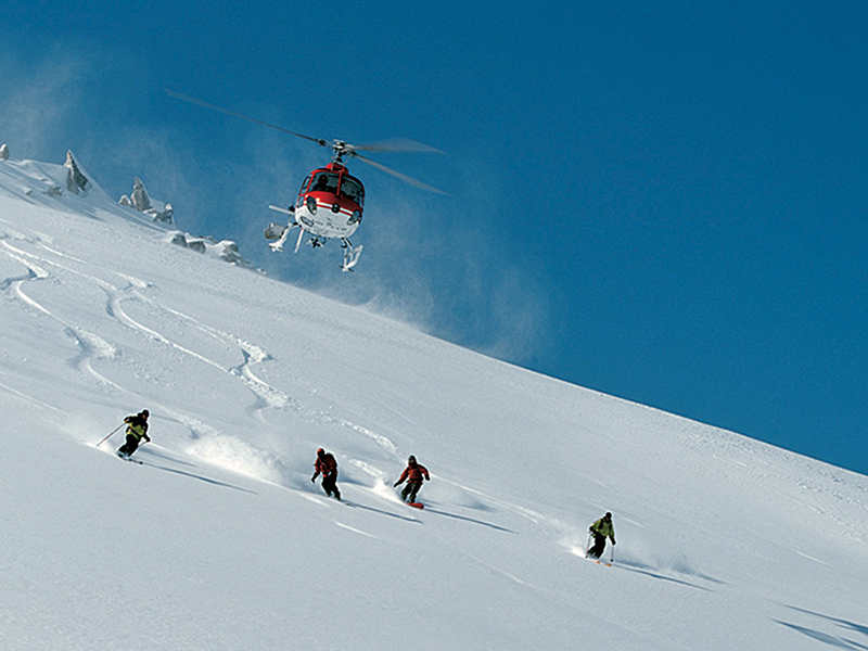 bureau-guides-meribel-heliski-3vallees-winter-snow-heliskiing