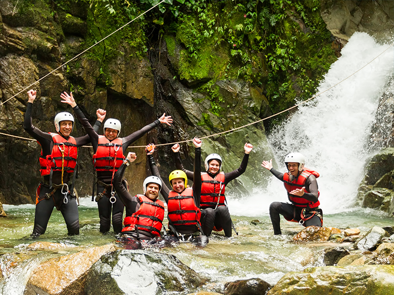 bureau-guides-meribel-canyoning-summer-ete