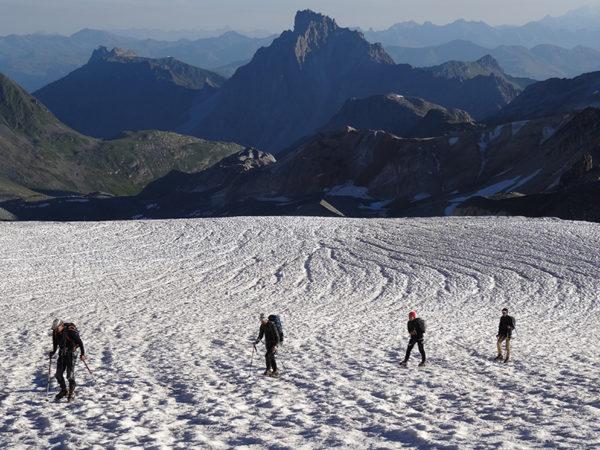 bureau-guides-meribel-randonnee-glaciaire-ice-climbing