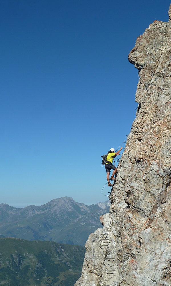 bureau-guides-meribel-escalade-via-ferrata-climbing