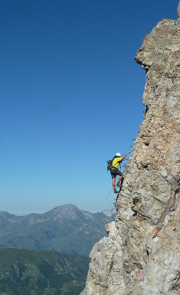 bureau-guides-meribel-escalade-via-ferrata-climbing